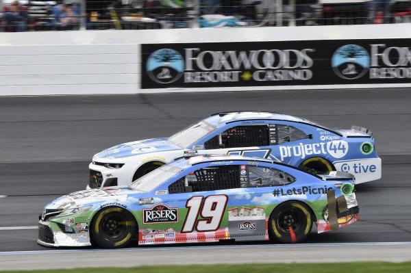 #19: Martin Truex Jr., Joe Gibbs Racing, Toyota Camry Resers Fine Foods #LetsPicnic, #15: James Davison, Rick Ware Racing, Chevrolet Camaro