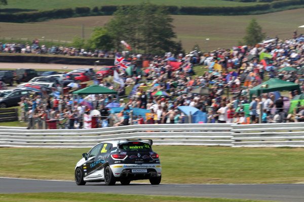 2016 Renault Clio Cup.  Oulton Park, Cheshire. 4th-5th June 2016, Paul Rivett (GBR) WDE Motorsport Renault Clio Cup  World copyright. Jakob Ebrey/LAT Photographic