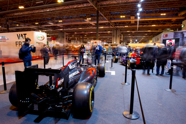 Autosport International Exhibition.  National Exhibition Centre, Birmingham, UK. Sunday 17 January 2016.  Fans at the F1 Racing stand. World Copyright: Mike Hoyer/LAT Photographic. ref: Digital Image EL0G9203