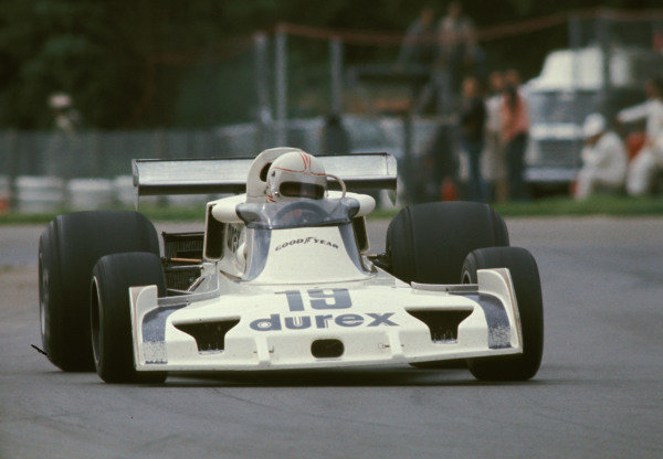 Alan Jones, Surtees TS19 Ford.