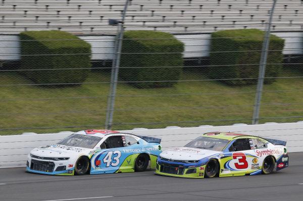 #43: Darrell Wallace Jr., Richard Petty Motorsports, Chevrolet Camaro Victory Junction #3: Austin Dillon, Richard Childress Racing, Chevrolet Camaro American Ethanol