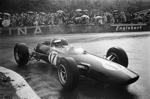 Jim Clark, Lotus 33 Climax, at La Source hairpin.