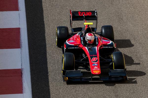 2017 FIA Formula 2 Round 11. Yas Marina Circuit, Abu Dhabi, United Arab Emirates. Friday 24 November 2017. Alexander Albon (THA, ART Grand Prix).  Photo: Zak Mauger/FIA Formula 2. ref: Digital Image _56I0113