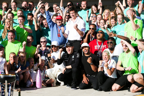 Circuit of the Americas, Austin, Texas, United States of America. Sunday 22 October 2017. Lewis Hamilton, Mercedes AMG, 1st Position, Niki Lauda, Non-Executive Chairman, Mercedes AMG, Valtteri Bottas, Mercedes AMG, Toto Wolff, Executive Director (Business), Mercedes AMG, Nick Hamilton and the Mercedes team celebrate winning the race and the Constructors title. World Copyright: Charles Coates/LAT Images  ref: Digital Image AN7T2382