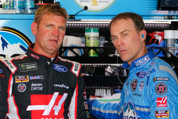 Monster Energy NASCAR Cup Series Toyota Owners 400 Richmond International Raceway, Richmond, VA USA Friday 28 April 2017 Clint Bowyer, Stewart-Haas Racing, Haas Automation Demo Days Ford Fusion and Kevin Harvick, Stewart-Haas Racing, Busch Light Ford Fusion World Copyright: Russell LaBounty LAT Images ref: Digital Image 17RIC1Jrl_0963