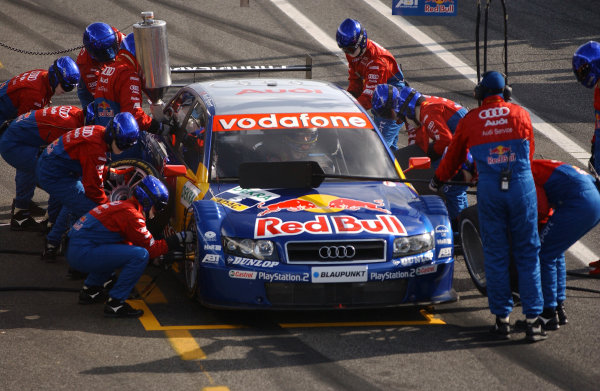 2004 DTM ChampionshipEstoril, Portugal. 1st - 2nd May 2004.Mattias Ekstrom (Abt Sportsline Audi A4), pitstop.World Copyright: Andre Irlmeir/LAT Photographicref: Digital Image Only