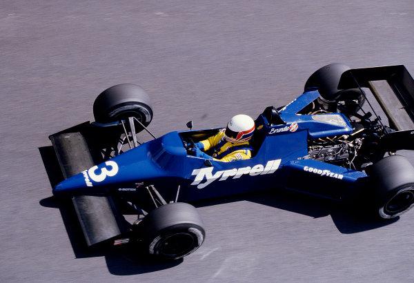 1985 Monaco Grand Prix.Monte Carlo, Monaco.16-19 May 1985.Martin Brundle (Tyrrell 012 Ford) 10th position.Ref-85 MON 50.World Copyright - LAT Photographic