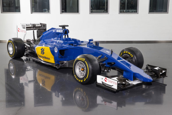 Sauber C34 Reveal. Hinwil, Switzerland. Friday 30 January 2015. The Sauber C34-Ferrari. Photo: Sauber F1 Team (Copyright Free FOR EDITORIAL USE ONLY) ref: Digital Image 20150130_Sauber_C34-Ferrari_Front_Side