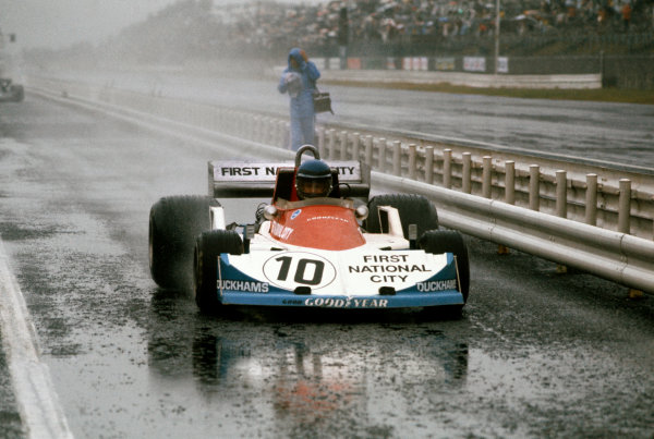 Fuji, Japan. 22 - 24 October 1976. Ronnie Peterson (March 761-Ford), retired, action.  World Copyright: LAT Photographic. Ref:  76JAP41
