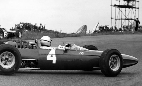 1965 Dutch Grand Prix.Zandvoort, Holland. 18 July 1965.Lorenzo Bandini, Ferrari 158, 9th position, spins, action.World Copyright: LAT PhotographicRef: Motor b&w print