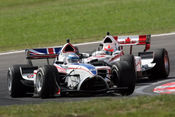 21.01 2007 Taupo, New Zealand, Robbie Kerr, Driver of A1Team Great Britain leads James Hinchcliffe, Driver of A1Team Canada - A1GP World Cup of Motorsport 2006/07, Round 6, Taupo, Sunday Race 1 - Copyright A1GP Team Great Britain - Copyright free for editorial usage