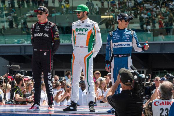 Robert Wickens, Schmidt Peterson Motorsports Honda, Kyle Kaiser, Juncos Racing Chevrolet, and Takuma Sato, Rahal Letterman Lanigan Racing Honda during driver introductions.