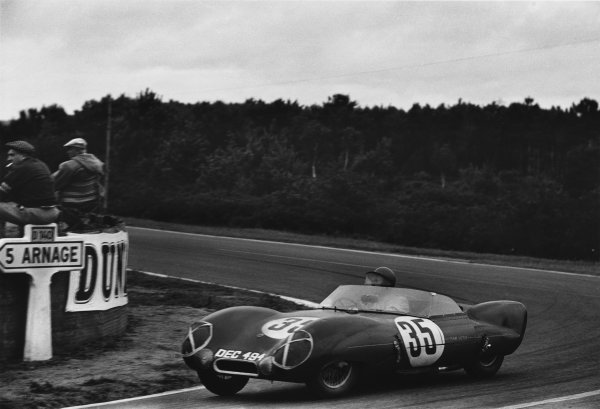 Le Mans, France. 28th - 29th July 1956.Cliff Allison/Keith Hall (Lotus Eleven Climax), retired, action. World Copyright: LAT Photographic.Ref:  7114F - 12A-13.