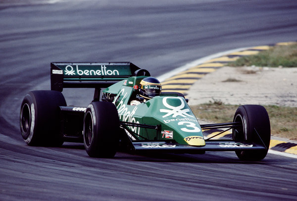 1983 European Grand Prix.Brands Hatch, England.23-25 September 1983.Michele Alboreto (Tyrrell 012 Ford).  Ref: 83EUR29. World Copyright - LAT Photographic