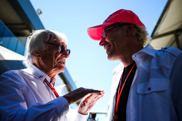 Interlagos, Sao Paulo, Brazil. Sunday 12 November 2017. Bernie Ecclestone, Chairman Emiritus of Formula 1, with former champion Jacques Villeneuve. World Copyright: Charles Coates/LAT Images  ref: Digital Image AN7T4017