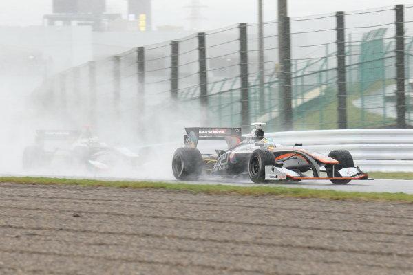 2017 Japanese Super Formula. Suzuka, Japan. 21st - 22nd October 2017. Rd 7. Cancelled race due to Typhoon. 2017 Driver?s Champion Hiroaki Ishiura ( #2 P.MU/CERUMO ? INGING SF14 ) action  World Copyright: Yasushi Ishihara / LAT Images. Ref: 2017_SF_Rd7_002