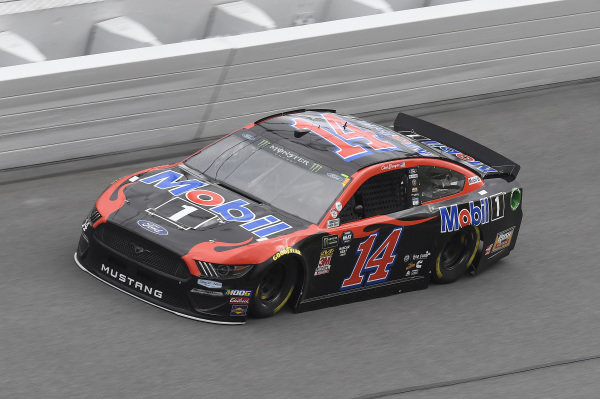 #14: Clint Bowyer, Stewart-Haas Racing, Ford Mustang Mobil 1