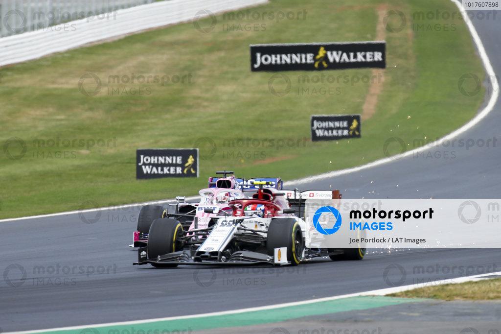 Antonio Giovinazzi, Alfa Romeo Racing C38 and Sergio Perez, Racing Point RP19 battle