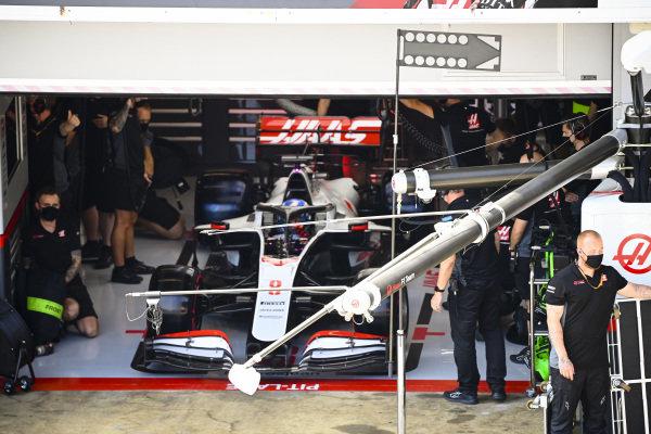 Romain Grosjean, Haas VF-20, in the garage
