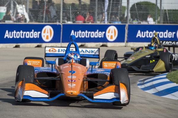 Scott Dixon, Chip Ganassi Racing Honda leads Marcus Ericsson, Arrow Schmidt Peterson Motorsports Honda, late in the race