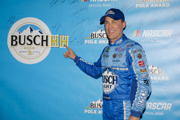#4: Kevin Harvick, Stewart-Haas Racing, Ford Fusion Busch Light pole award