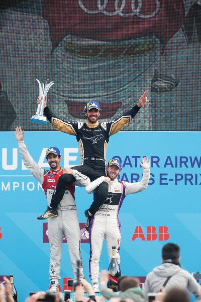 Jean-Eric Vergne (FRA), TECHEETAH, Renault Z.E. 17, wins the Paris ePrix, Lucas Di Grassi (BRA), Audi Sport ABT Schaeffler, Audi e-tron FE04, finishes 2nd and Sam Bird (GBR), DS Virgin Racing, DS Virgin DSV-03, in 3rd.