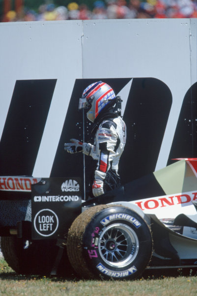 2004 French Grand PrixMagny-Cours, France. 2nd - 4th JulyTakuma Sato, BAR Honda 006 retires from the grand prix after engine failure. Action. World Copyright: LAT PhotographicRef:35mm Image A01
