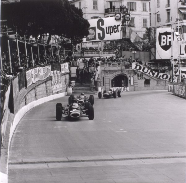 1965 Monaco Grand Prix.Monte Carlo, Monaco. 28-30 May 1965.Graham Hill, BRM P261, 1st position, leads Jackie Stewart, BRM P261, 3rd position and Lorenzo Bandini, Ferrari 1512, 2nd position, action.World Copyright - LAT PhotographicRef: 29515