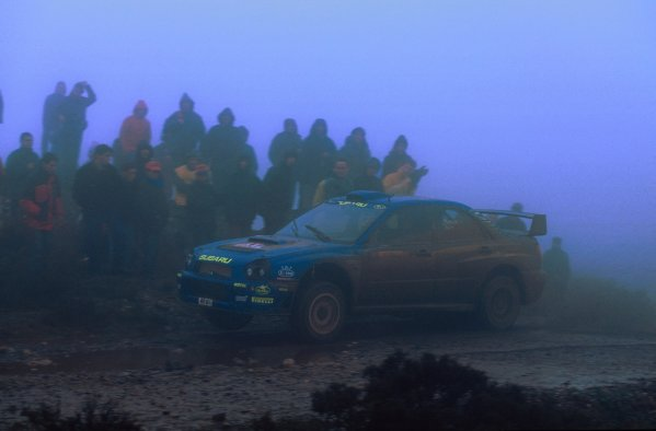 2001 World Rally Championship.   TAP Rally of Portugal. 8th - 11th March 2001. Rd 3. Subaru driver Richard Burns fights his way throught the thick fog. World Copyright: McKlein/ LAT Photographic. Ref: Burns_Action