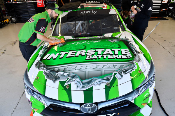 NASCAR Xfinity Series Boyd Gaming 300 Las Vegas Motor Speedway, Las Vegas, NV USA Friday 2 March 2018 Kyle Busch, Joe Gibbs Racing, Toyota Camry Interstate Batteries crew World Copyright: Rusty Jarrett NKP / LAT Images
