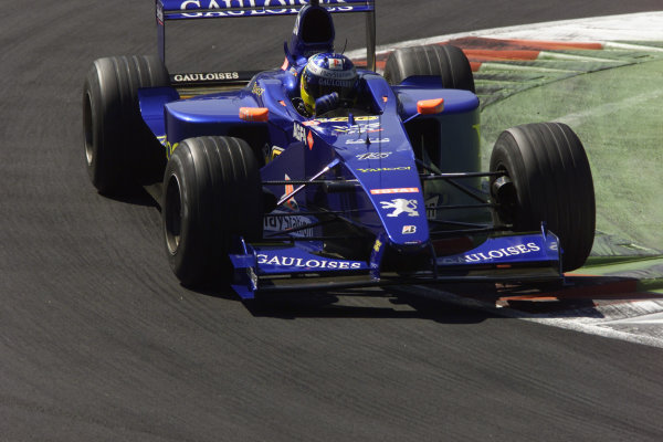 Monza, Italy. 8-10 September 2000.Nick Heidfeld (Prost AP03 Peugeot).World Copyright - LAT Photographic