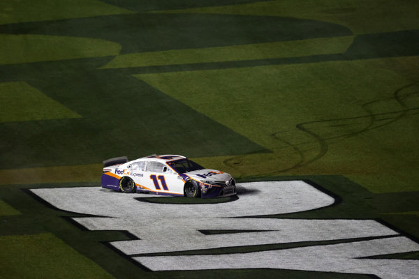 #11: Denny Hamlin, Joe Gibbs Racing, Toyota Camry FedEx Express, burnout