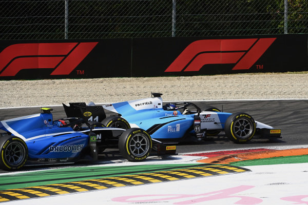 Richard Verschoor (NLD, MP Motorsport), leads Felipe Drugovich (BRA, Uni-Virtuosi)
