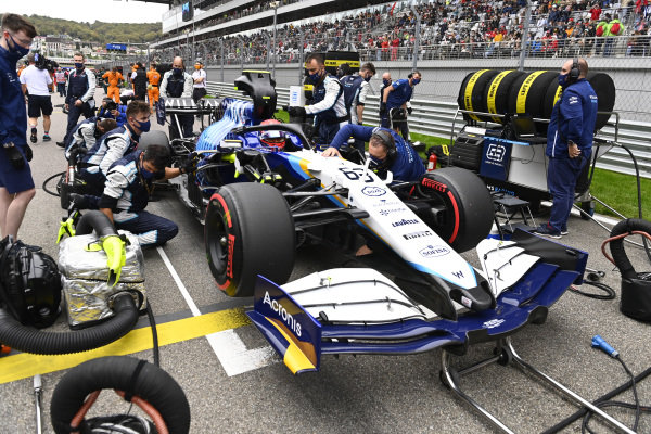George Russell, Williams FW43B, on the grid