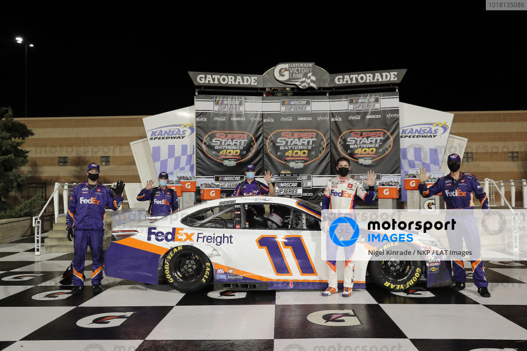 #11: Denny Hamlin, Joe Gibbs Racing, FedEx Office Toyota Camry celebrates his win