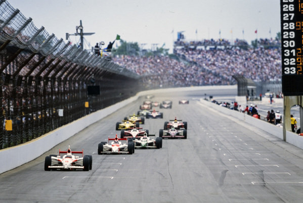 Gil de Ferran, Penske Racing, G-Force GF05 Toyota, leads Hélio Castroneves, Penske Racing, Dallara IR-03 Toyota, and Tony Kanaan, Andretti Green Racing, Dallara IR-03 Honda.