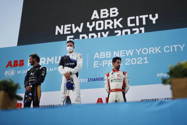 Jean-Eric Vergne (FRA), DS Techeetah, 2nd position, Maximilian Guenther (DEU), BMW I Andretti Motorsport, 1st position, and Lucas Di Grassi (BRA), Audi Sport ABT Schaeffler, 3rd position, on the podium