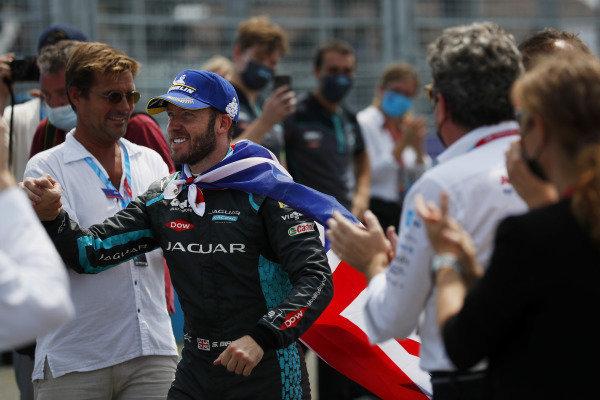 Sam Bird (GBR), Jaguar Racing, 1st position