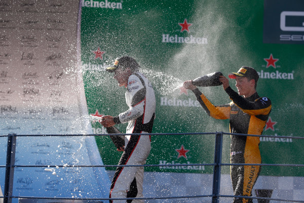 2017 GP3 Series Round 6.  Autodromo Nazionale di Monza, Monza, Italy. Sunday 3 September 2017. George Russell (GBR, ART Grand Prix), Jack Aitken (GBR, ART Grand Prix).  Photo: Sam Bloxham/GP3 Series Media Service. ref: Digital Image _W6I4497