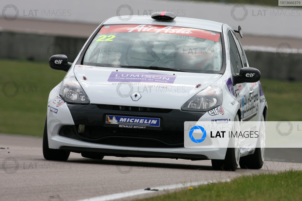 Rockingham, Northamptonshire. 17th - 18th September 2011.Paul Rivett (GBR) Lumison Bluesquare Data/Stancombe Vehicle Engineering Renault Clio Cup.World Copyright: Ebrey/LAT Photographic.