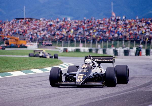 1985 Austrian Grand Prix.Osterreichring, Zeltweg, Austria.16-18 August 1985.Elio de Angelis (Lotus 97T Renault) 5th position.Ref-85 AUT 23.World Copyright - LAT Photographic