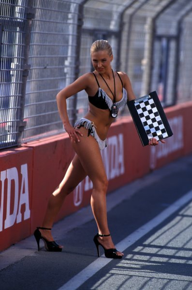 Miss Indy competition.CART Fedex Championship Series, Rd17, Surfers Paradise, Australia, 27 October 2002.BEST IMAGE