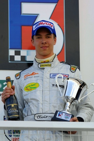 Clivio Piccione (MON) 2nd in the scholarship class in both races.British Formula 3 Championship, Rd3 & Rd4, Donington Park, England. 14 April 2002.DIGITAL IMAGE