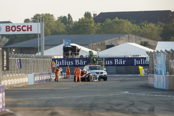 Car of Neel Jani (CHE), Tag Heuer Porsche, Porsche 99x Electric removed from circuit