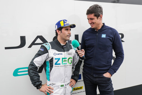 Presenter Vernon Kay interviews Sérgio Jimenez (BRA), Jaguar Brazil Racing