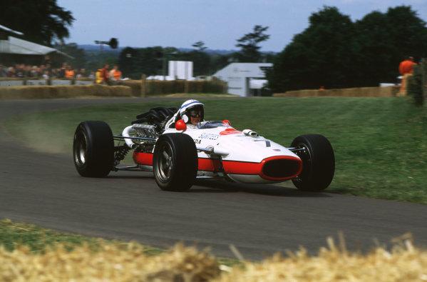 2000 Festival of Speed.Goodwood, England, Great Britain. 23-25 June 2000. John Surtees (Honda).World - LAT Photographic