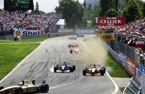 Rubens Barrichello, Jordan 196 Peugeot, battles with Heinz-Harald Frentzen, Sauber C15 Ford. Both lock up, and Barrichello runs wide.