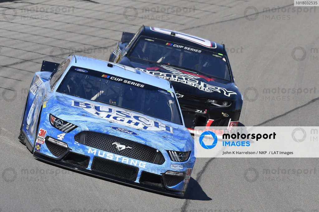 #4: Kevin Harvick, Stewart-Haas Racing, Ford Mustang Busch Light, #00: Quin Houff, StarCom Racing, Chevrolet Camaro Victory Weekend