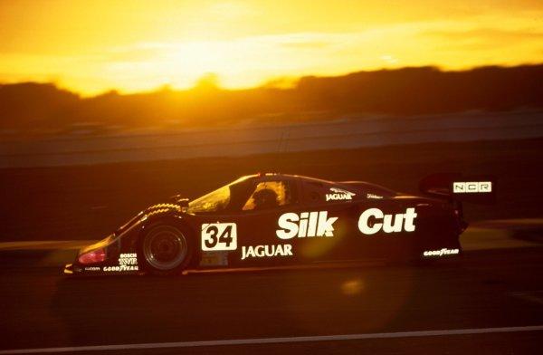 Kenny Acheson (GBR) Jaguar XJR-12. FIA Sportscar World Championship, Le Mans 24 Hours, Le Mans, France, 22-23 June 1991.