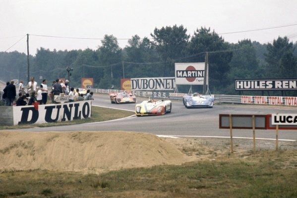 1970 Le Mans 24 hours. Le Mans, France. 13-14 June 1970. Rudi Lins/Helmut Marko (Porsche 908) leads Jean-Pierre Beltoise/Henri Pescarolo (Matra-Simca MS660) and Helmut Kelleners/Georg Loos (Ferrari 512S). World Copyright: LAT Photographic Ref: 70LM40
